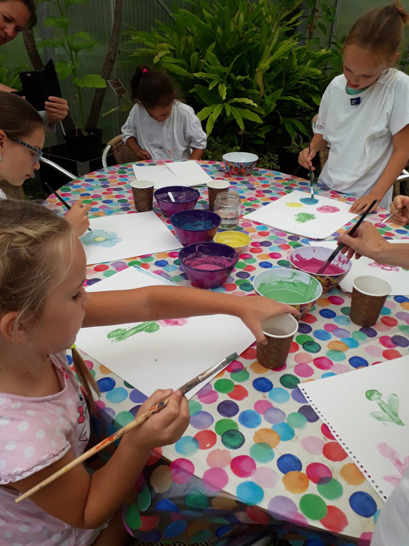 Kinderworkshop schilderen in de tuin